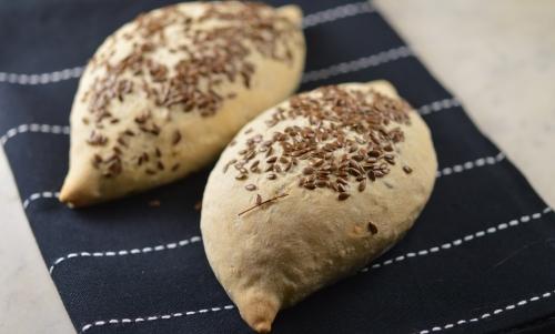 Petits pains au lin, graines de lin, graines de tournesol