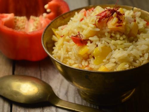 Riz rouge et jaune, riz, poivron, mangue