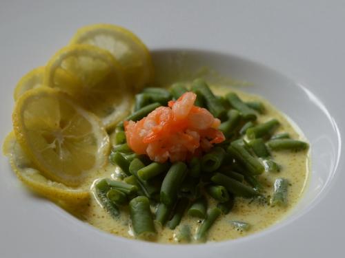 Soupe crevettes coco aux haricots, crevettes, lait de coco, haricots verts, curry