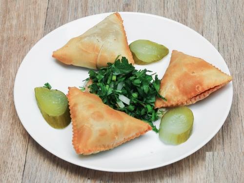 Les boureks d'Amer Jarrah du restaurant le Méchoui syrien à Lille, boureks, le Méchoui syrien, Amer Jarrah, Oubayda Badjiknki, le chef et la cocotte, la cocotte, la voix du nord