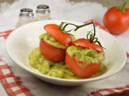 Tomates farcies avocat et agrumes, tomates, avocat, agrumes