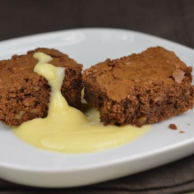 kid-brownies,brownies au chocolat,noix,noisettes