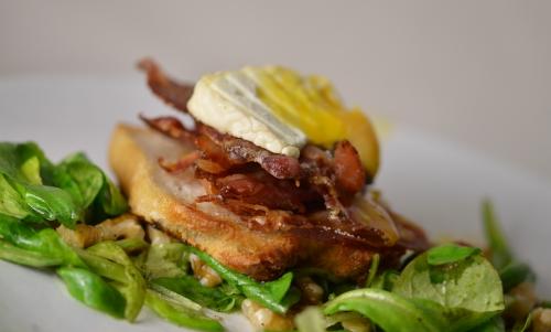 Toast au chèvre et œuf mollet, oeuf mollet, fromage de chèvre, toast