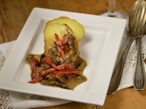 Cèpes de vigne aux pommes de terre, cèpes, pommes de terre, vin blanc, chorizo