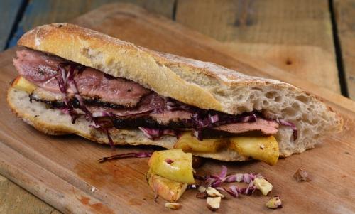 Sandwich canaille canard, sandwich, magret de canard, salade Trévise, pommes