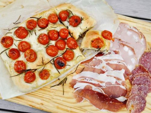 Fougasse tomates-olives