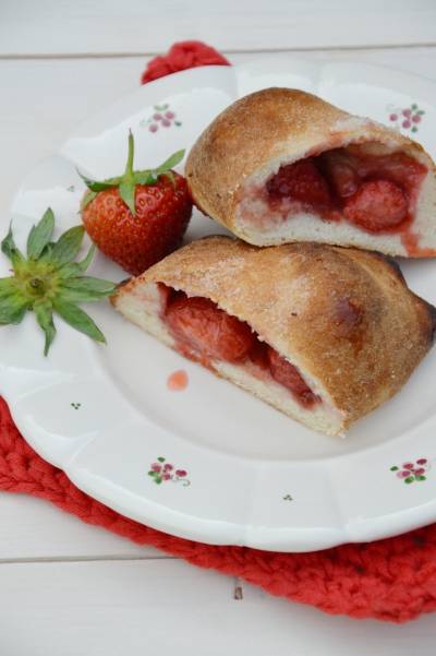 Chaussons aux fraises, fraises, confiture de fraises