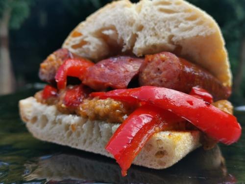 Sandwich aubergine et saucisse, la cocotte, la voix du nord