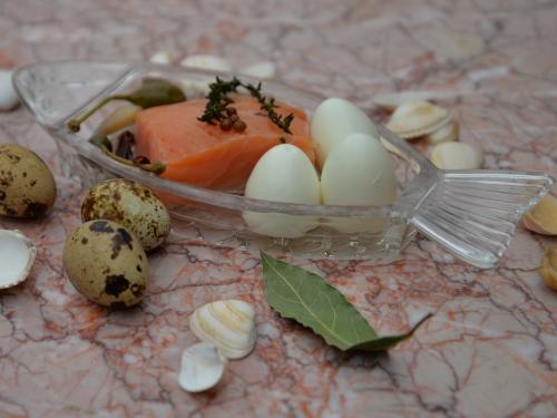 Œufs de caille et saumon marinés au bouillon,la cocotte,la voix du nord