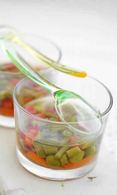 Gelée de légumes, pois, poivrons, carottes, haricots verts, gelée