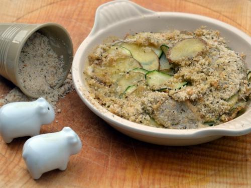 Pommes de terre et courgettes au crumble d'ail, pommes de terre, courgettes, crumble, ail