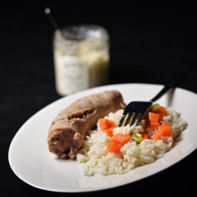 Saucisse et petits légumes au raifort, saucisse de fête polonaise, saucisse de fête, andouille d'Aire sur la Lys, raifort