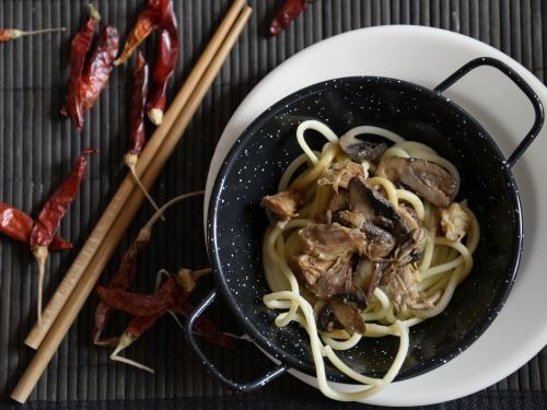 Porc, champignons et nouilles sautés au soja, la Cocotte, la voix du nord