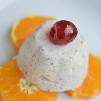 Cheesy nougat à l'orange, fromage frais, cottage cheese, oranges confites, cerises confites, miel