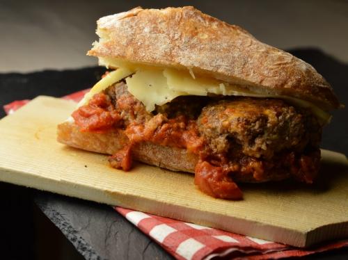 Sandwich boulettes aux tomates, boulette aux tomates