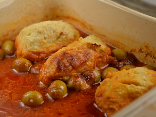 Quenelles de volaille en sauce tomate, quenelles, volaille, poularde, sauce tomate, olives, câpres