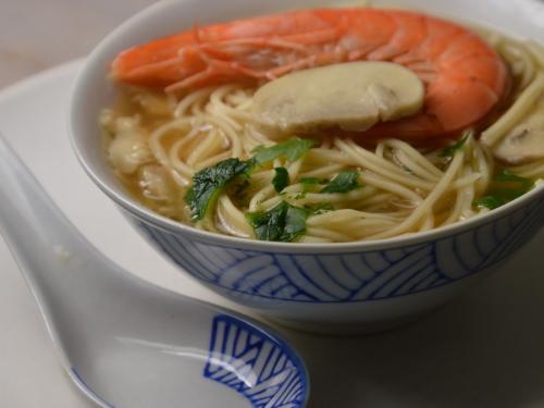 Soupe aux champignons, soupe, champignons, nouilles chinoises, nouilles chow-mein