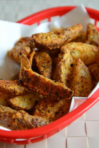 Quarts de patates au four, pommes de terre, parmesan, paprika