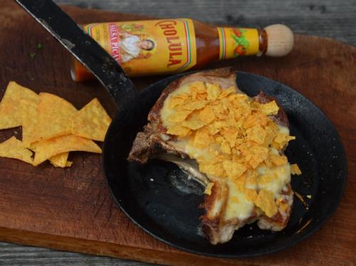 Côtes de porc Rio Grande, côtes de porc, torillas, fromage, pili-pili