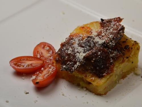Gratin d'été en hiver, pommes de terre, gratin, tomates pelées, mozzarella