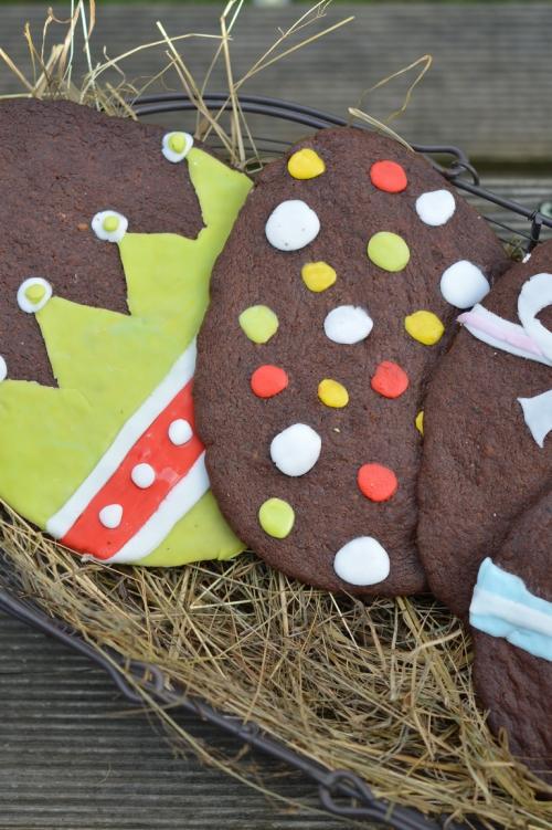 Œufs de Pâques au chocolat, oeufs de Pâques, chocolat, biscuits, biscuit, La Cocotte