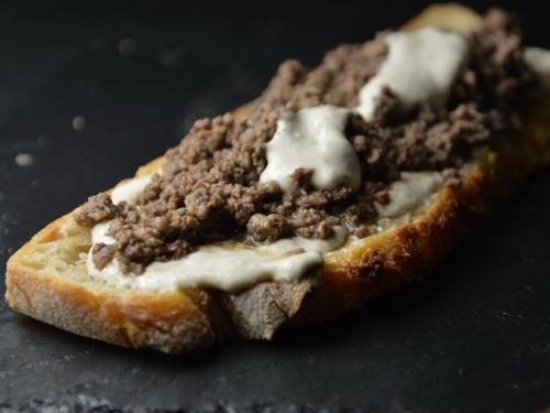 Shawarma fissa-fissa, shawarma, boeuf, tahineh, coriandre, muscade