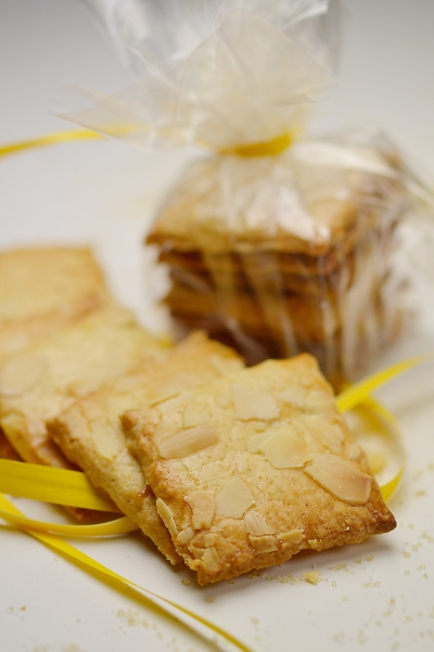 Carrés aux amandes, amandes, biscuits aux amandes,amandes effilées, La Cocotte