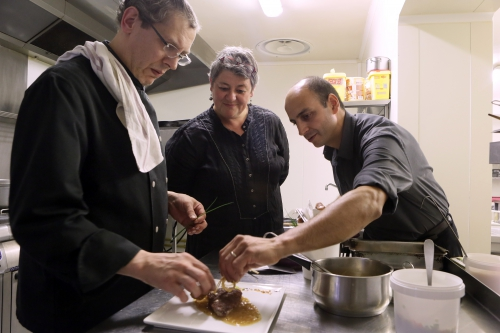 Foie de veau au pain d'épices d'Yves Legrand, chef du restaurant « le Paradoxe » à Tourcoing, Yves Legrand, foie de veau, pain d'épices, le Paradaoxe, restaurant, Tourcoing, le Chef et la Cocotte, la Cocotte, la Voix du Nord, Hubert Van Maele