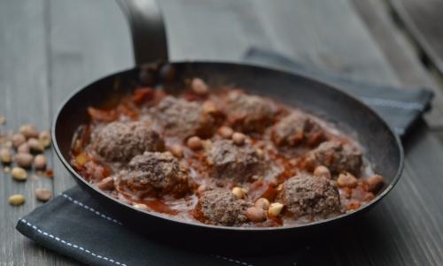 Boulettes de bœuf à la sauce tomate-cacahuète, boulettes de boeuf, cacahuètes, sauce cacahuètes