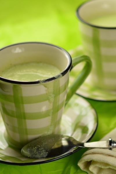Soupe de persil, persil, lait battu