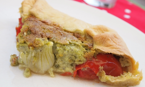 tarte vert, blanc, rouge, basilic, oignons-grelots, tomate-cerise