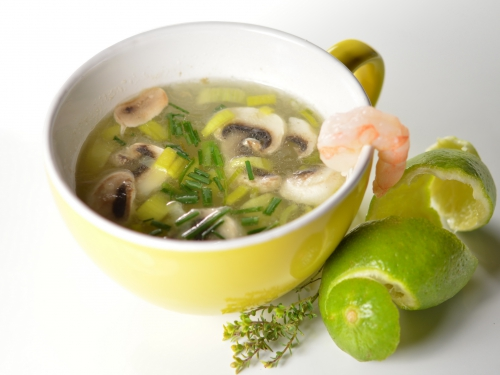 Bouillon de crevettes au citron vert, bouillon de volaille, crevettes, citron vert