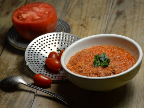 soupe rouge à la semoule d'orge