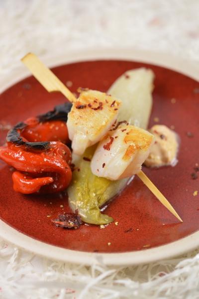 Saint-Jacques chicon-piment doux, coquilles saint-jacques, endinves, poivrons doux des Landes, chicons