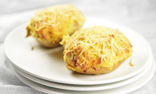 Patate farcie à l'andouillette, pomme de terre, andouillette