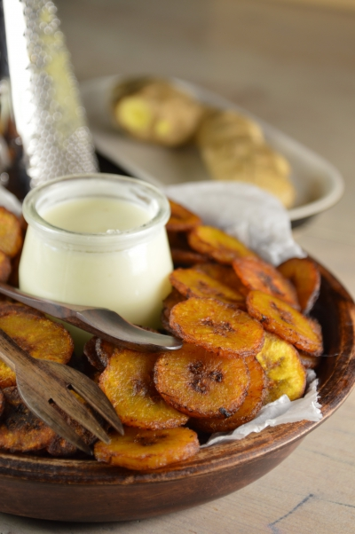 Banana chips et ginger sauce, banaes plantain, gingembre