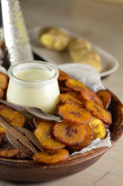 Banana chips et ginger sauce, banaes plantain, gingembre