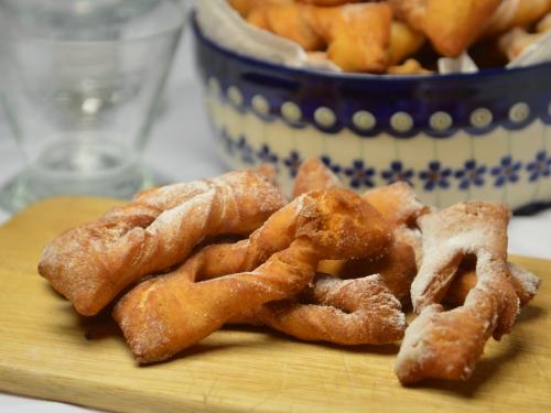 Chrusciki ou beignets polonais, chrusciki, beignets, beignets polonais