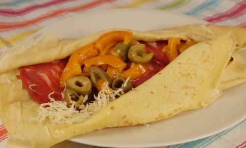 crêpes à l'espagnole, crêpes, poivrons, chorizo, manchego, olives vertes
