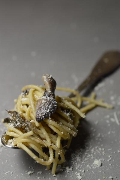 Spaghetti champignons-pancetta aux herbes, spaghetti, pancetta, basilic, origan