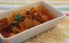 curry de porc, thaï, basilic thaï
