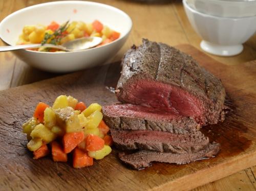 Côté de rumsteck à l'anglaise, côté de rumsteck, rumsteck, pommes de terre, carottes, panais