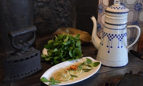 Auberge d'Inxent, chez Jean-Marc Six, chef Carole Vergeot, Ravioles d'escargots d'Airon-St-Vaast au cresson et petits légumes