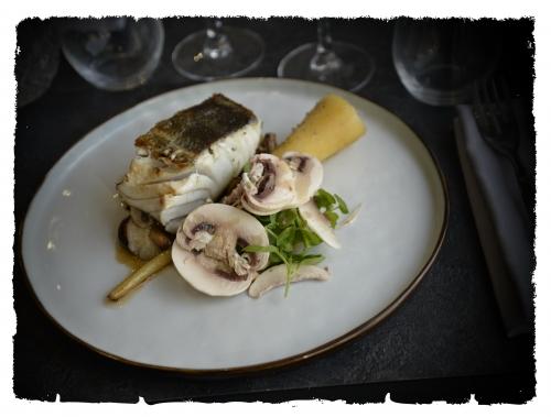 Lieu, champignons, panais d'Alexandre Laboureur et Maëllie Poynard du restaurant A la maison à Lille, Lieu champignons panais, Restaurant A la maison à Lille, Alexandre Laboureur, Maëllie Poynard, le Chef et la Cocotte, la Cocotte, la voix du nord