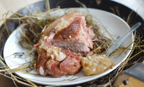 Rouelle au foin, rouelle de porc, foin