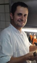 Gaëtan Citerne, Bouillon de topinambours, gnocchi de ricotta et cèpes de Gaëtan Citerne, restaurant « Le Grand Bleu », Roeux, le Chef et la Cocotte