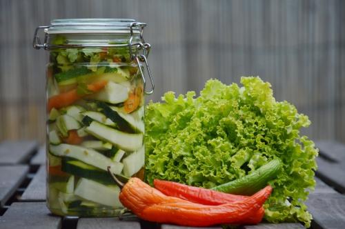 Pickle au concombre, concombre, courgettes, carottes, fenugrec