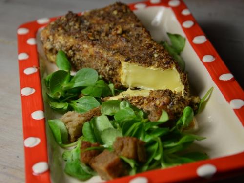 Brie pané à la noisette, brie, noisettes