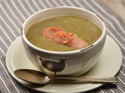 Soupe de lentilles saucisse et ail, lentilles, saucisse, ail
